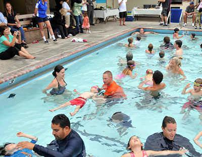 Worlds Largest Swim Lesson Image